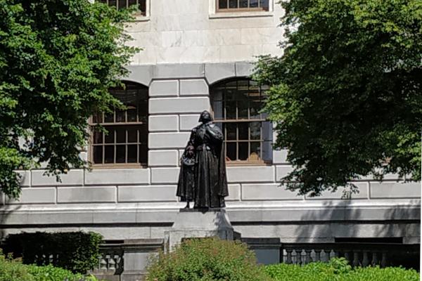 Anne-Hutchinson-Statue-WWP