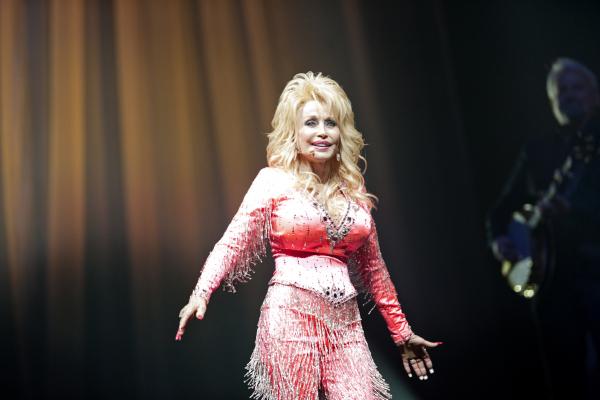 Dolly-Parton-WWP