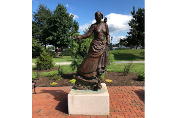 Harriet-Tubman-Statue-in-Salisbury-MD-WWP