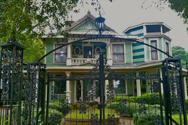 Gone-With-the-Wind-and-Margaret-Mitchells-Atlanta-Private-Tour-WWP