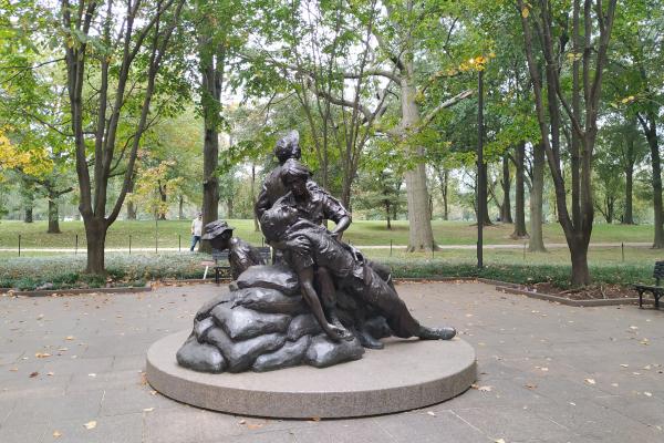 Glenna-Goodacre-creator-of-the-Vietnam-Womens-Memorial-WWP