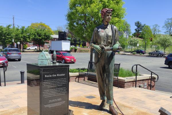 Rosie-the-Riveter-Memorial-in-NJ-WWP